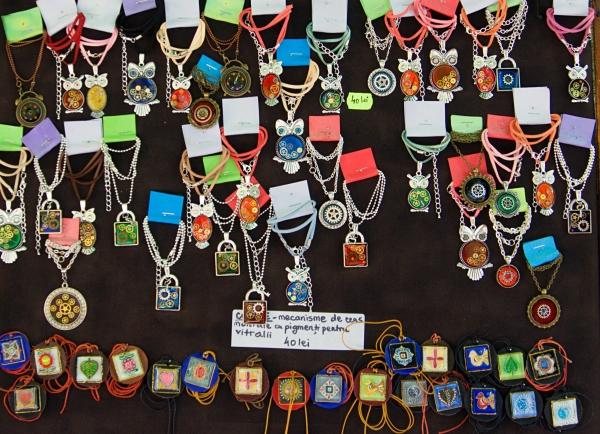 De unde cumperi suveniruri autentice în Sighisoara